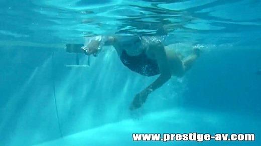 花音しおり水泳選手